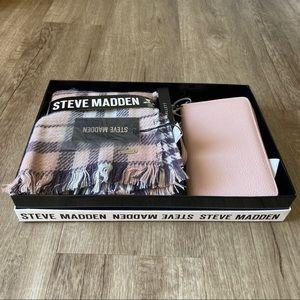 NWT Steve Madden Gift Set